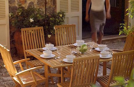 Gartenmöbel –Wohnen und genießen im Freien