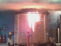 Brandversuch einer Holzrahmenwand im Labor